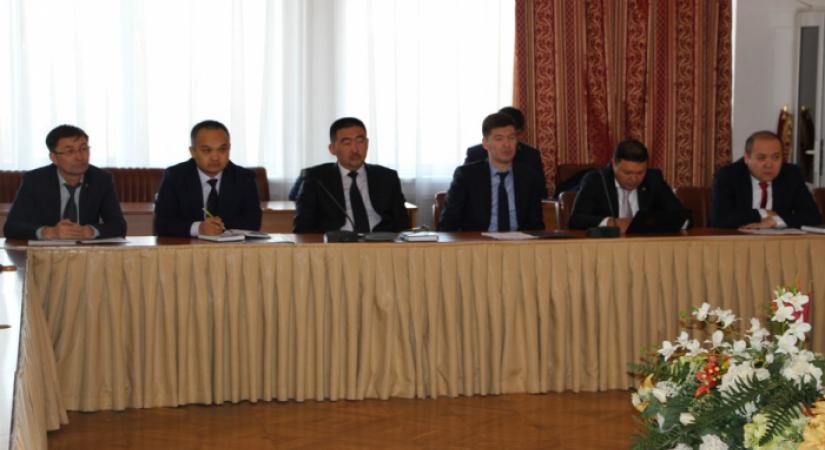 судебная практика Верховный Суд Республики Казахстан Председатель Алматинского городского суда Н Абдиканов провел рабочее совещание с представителями прокуратуры акиматов и других госорганов в сфере